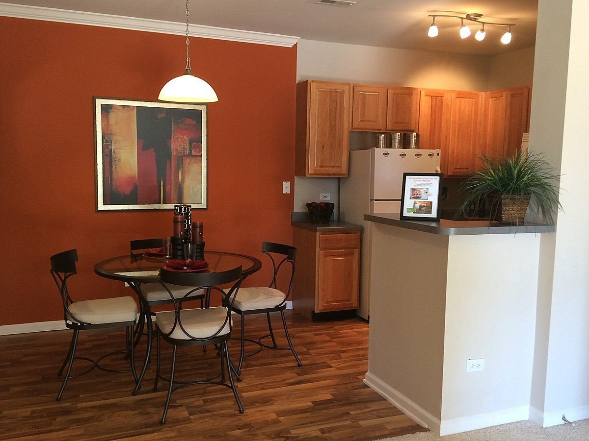 Naperville 1 2 Bedroom Newly Renovated Apartments Apartment Solutions